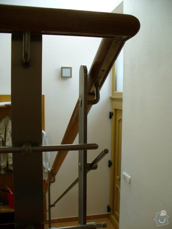 Zábradlí v rodinném domě: P1050787