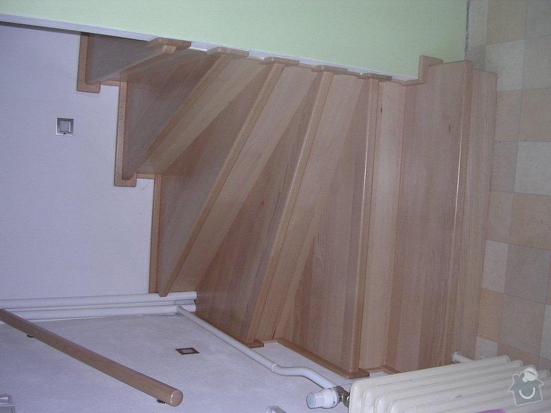 Obložení schodiště dřevem: DSCN0168