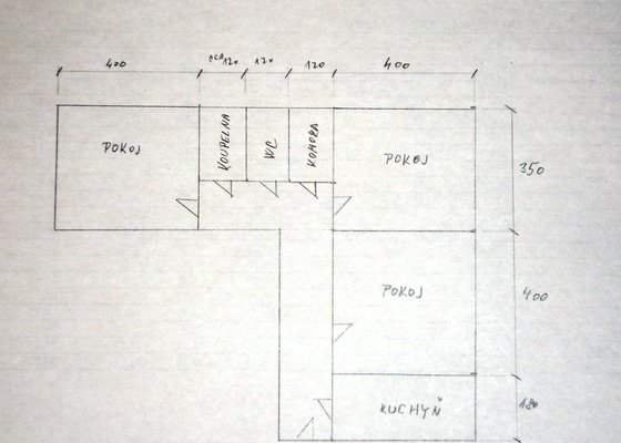 Broušení a lakování parket (3 pokoje a předsíň) celkem 55 m2
