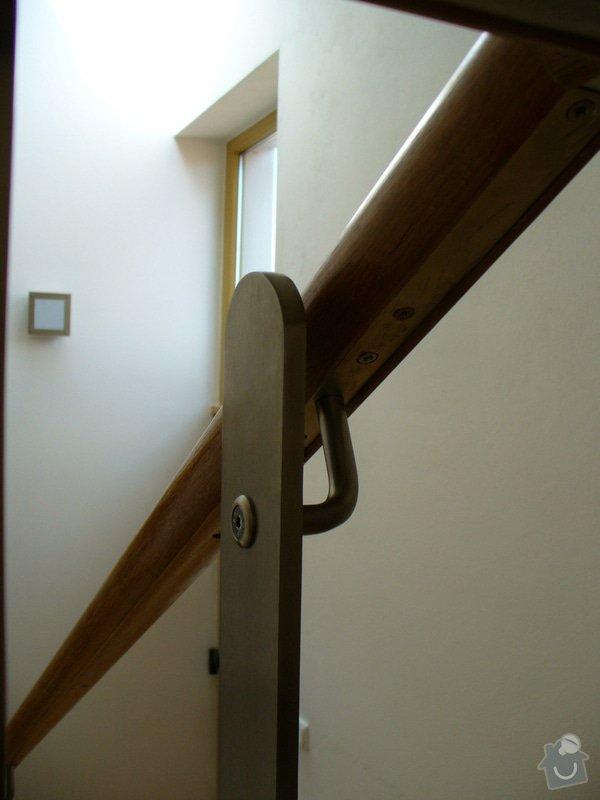 Zábradlí v rodinném domě: P1050788