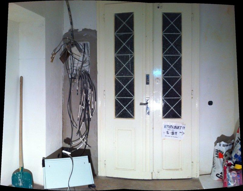 Renovace vstupních dveří z masivu.: pohled_z_bytu