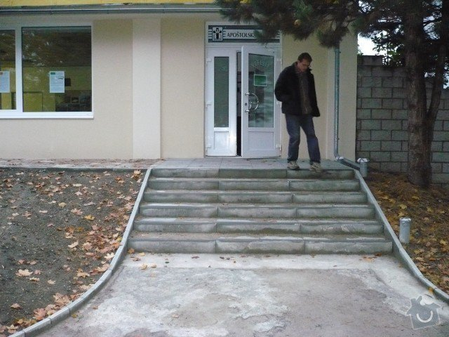 Oprava chodníku: P1050194