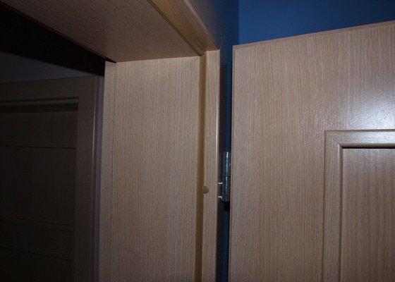 Dodání a montáž dveří a zárubní.