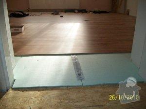 Instalace osb desek,položení plovoucí podlahy: 100_0599