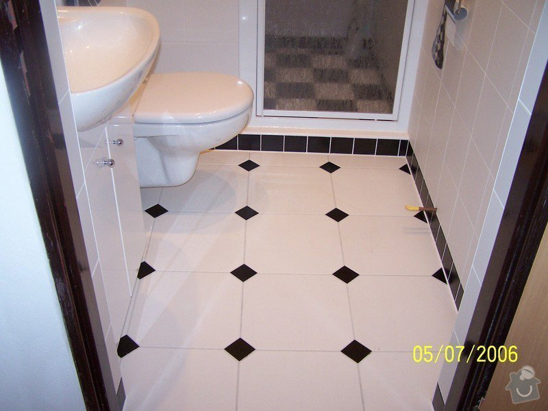 Renovace  koupelny v RD: 100_1055