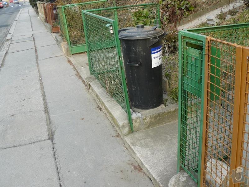 Oprava chodníku a schodů: P1090383