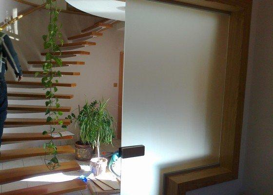 Montáž skleněné stěny