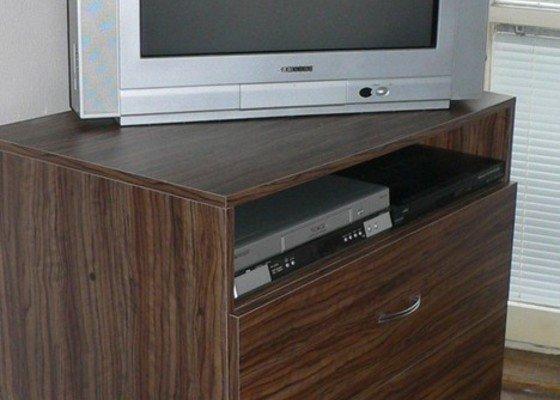 Skříňka pod TV