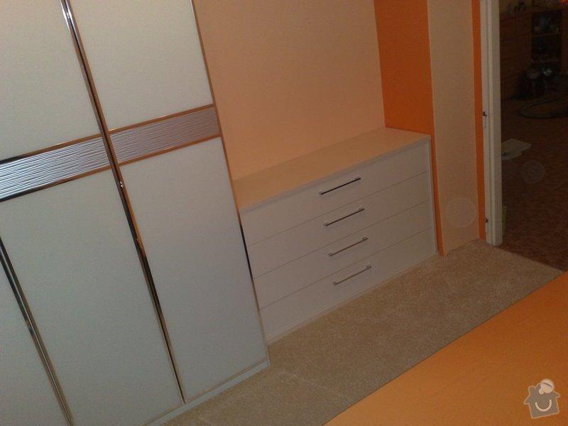 Montáž skříně vnitřními úpravami a montáž komody: 035