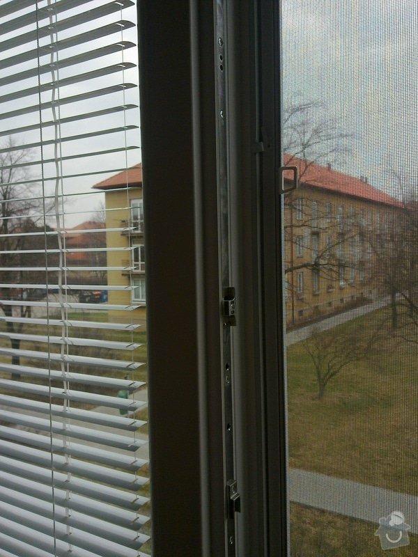 Výměna oken,žaluzie: 25032011093