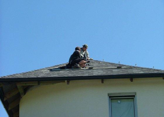 Oprava a dokončení střechy - pokrytí + klempířina