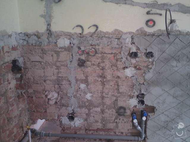 Kompletní rekonstrukce elektroinstalace prvorepublikové vily: DSC00163