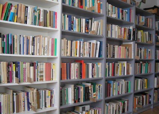 Montáž knihovny