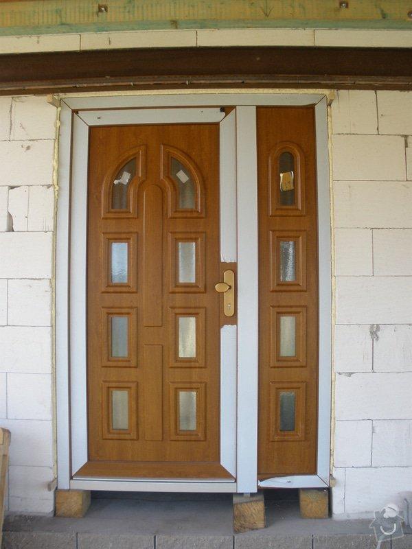 Vchodové dveře do RD: P4100445