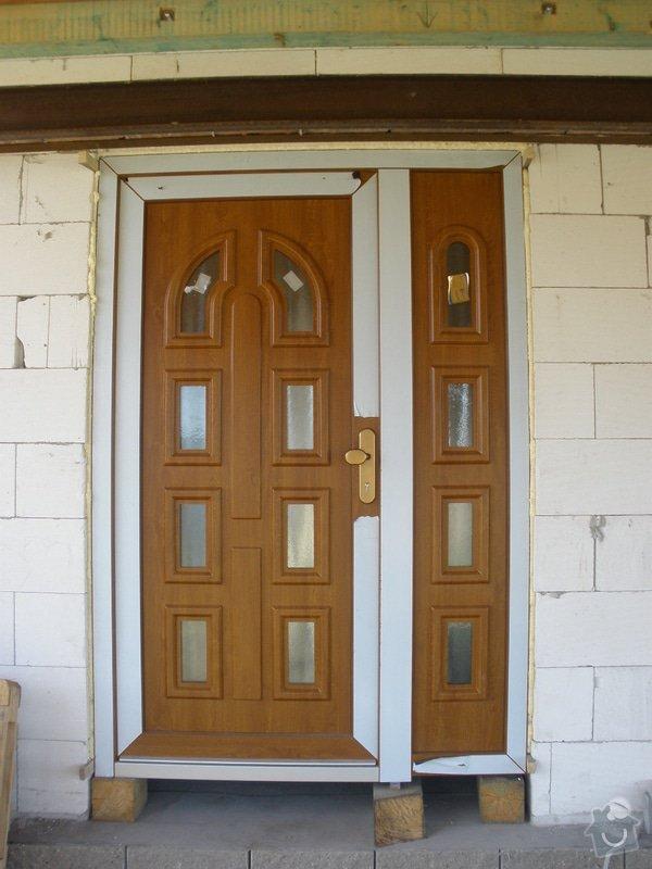 Vchodové dveře do RD: P4100446
