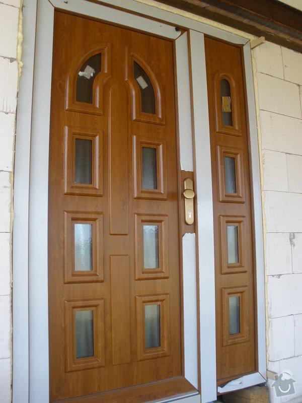 Vchodové dveře do RD: P4100447