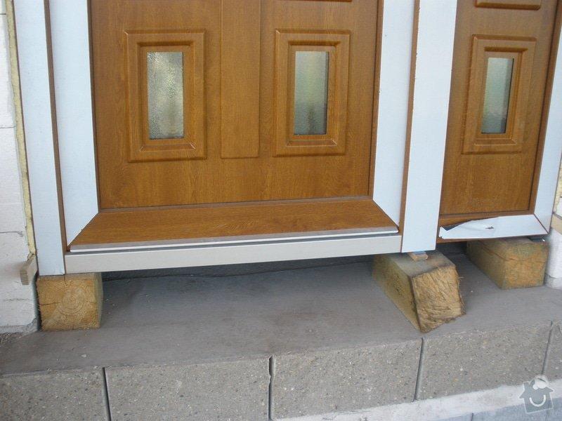 Vchodové dveře do RD: P4100450