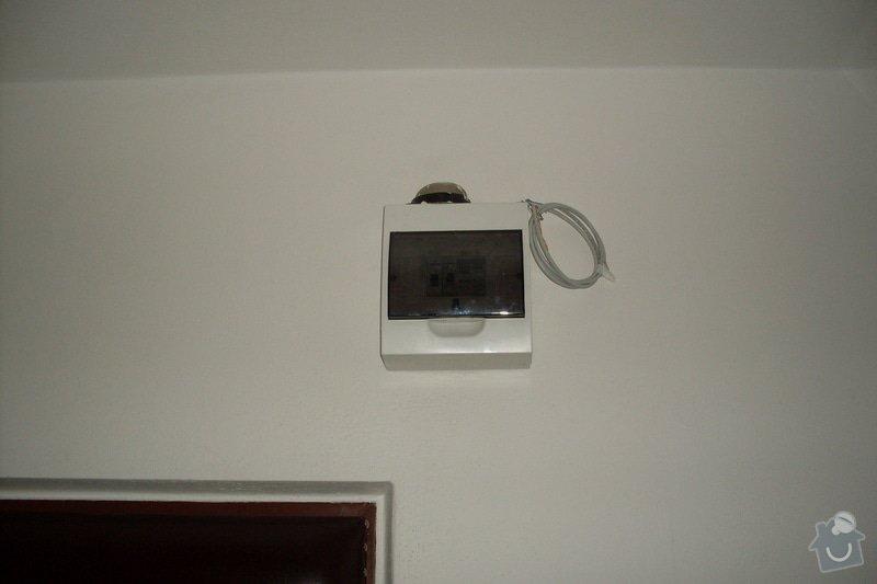 Přípojka pro wifi router: SDC10850