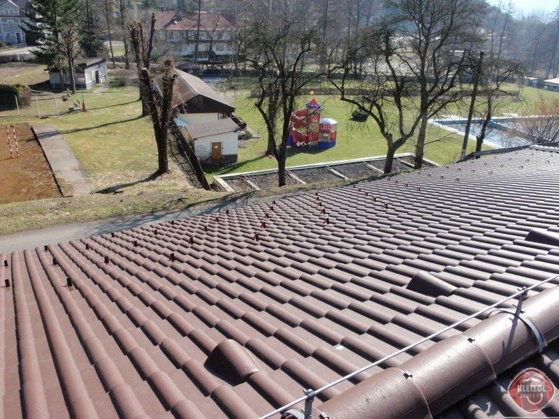 Montáž sněhových zábran na střechu: kleizol_rubek_perstejn_1_02