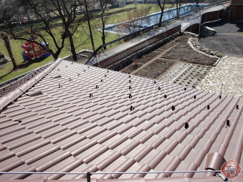 Montáž sněhových zábran na střechu: kleizol_rubek_perstejn_1_03