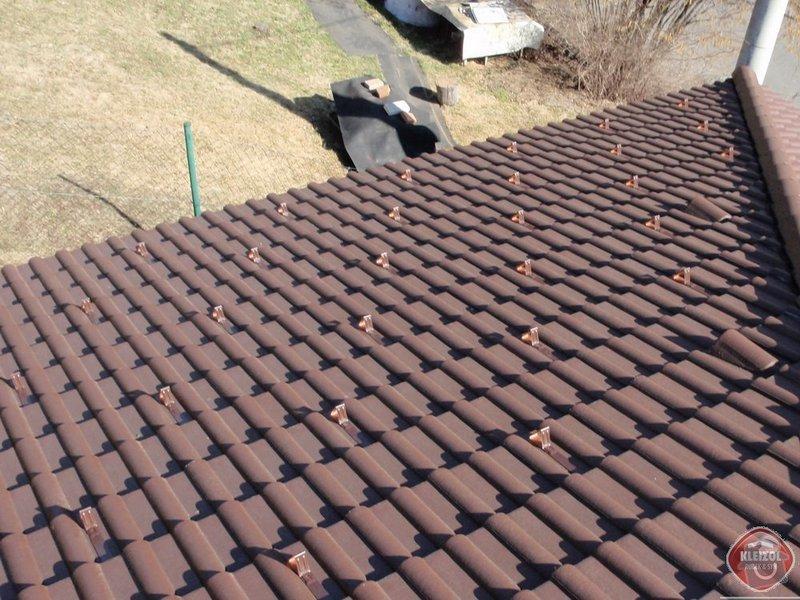 Montáž sněhových zábran na střechu: kleizol_rubek_perstejn_1_05
