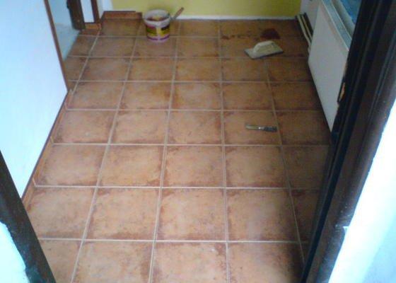 Rekonstrukce kuchyně a chodby.