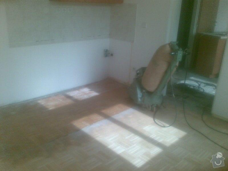 Přebroušení dřevěné podlahy a nalakování: 02042011_008_