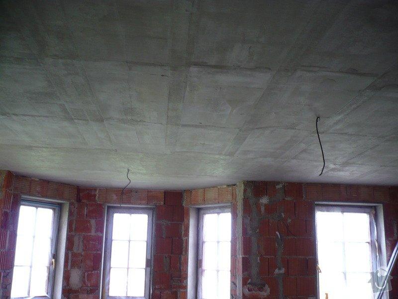 Vnitřní jádrové a štukové omítky, izolace podlahy.: P1030122
