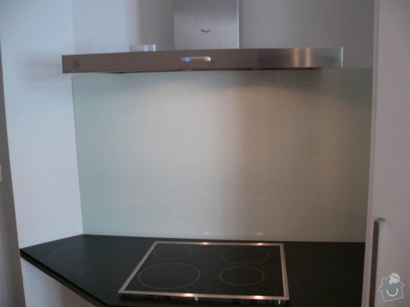 Lakovaná skla LACOBEL: P1000233