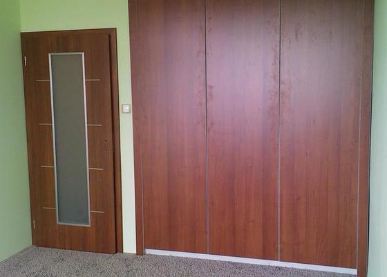 Výroba vestavných skříní