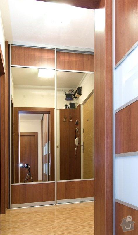 Vestavěné skříně: skrin_zrcadlo
