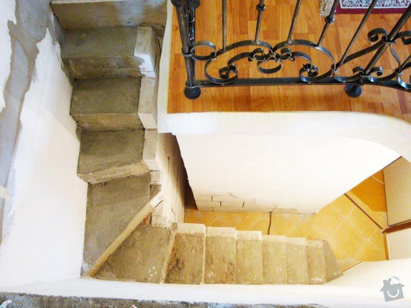 Obložení betonového schodiště dřevem: schodiste1
