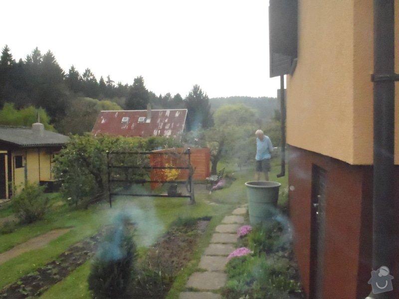 Oprava a nátěr fasády-sokl,stavba truhlářských doplňku zahrady.: P4280332
