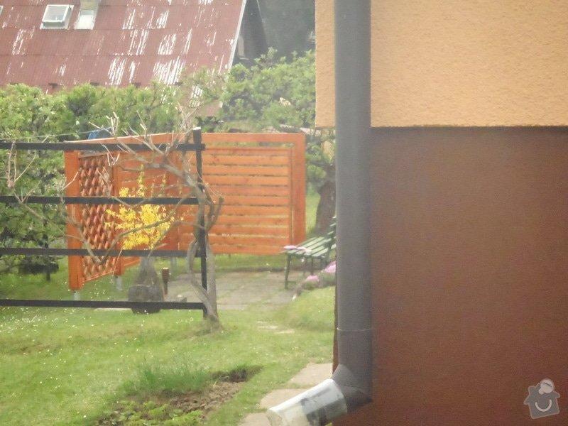 Oprava a nátěr fasády-sokl,stavba truhlářských doplňku zahrady.: P4280331