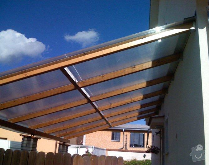 Lehká střecha nad průjezdem RD: pr_0249
