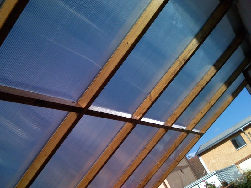 Lehká střecha nad průjezdem RD: pr_0250