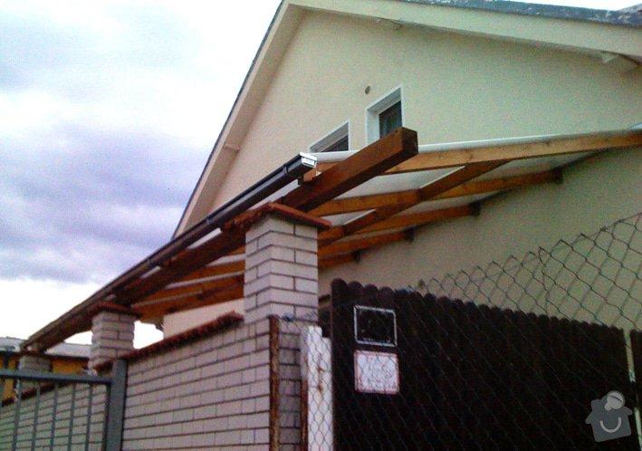 Lehká střecha nad průjezdem RD: pr_0253