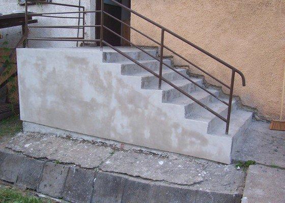 Rekonstrukce schodů a pokojů