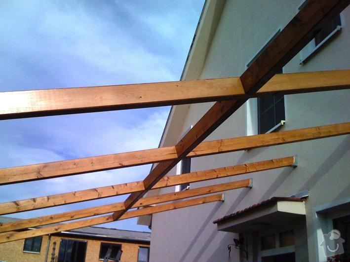 Lehká střecha nad průjezdem RD: pr_drevena_konstrukce_0236