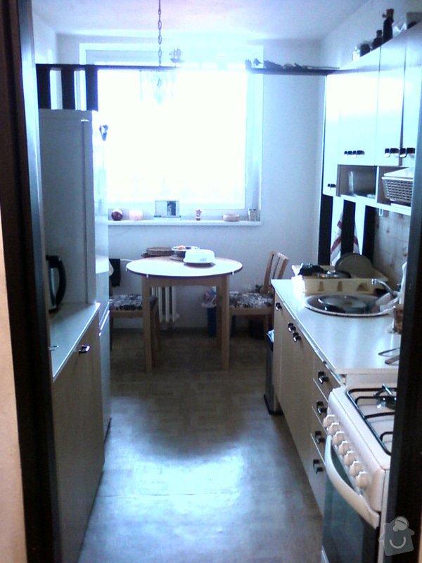 Kuchyňská linka+obložení dveří: Kuchyne_z_predsine