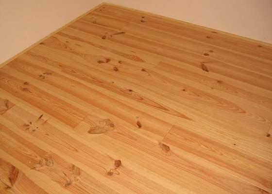 Dodávka a montáž masivní podlahy do obytných místností prvního patra novostavby