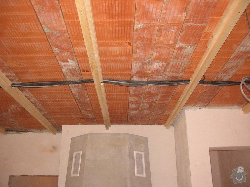 Dodávka a montáž stropního trámového obkladu do novostavby: IMG_6378