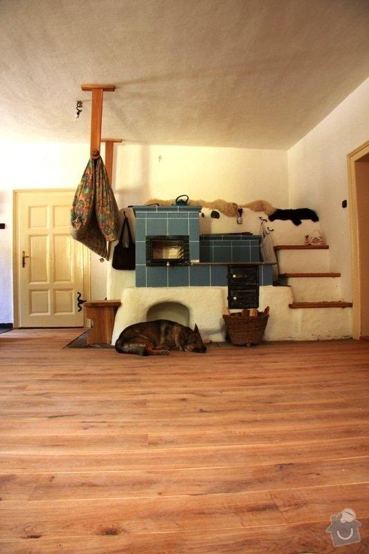 Dodávka a montáž dubové masivní podlahy do rekonstruovaného hostince U Fialů: 12podlahy