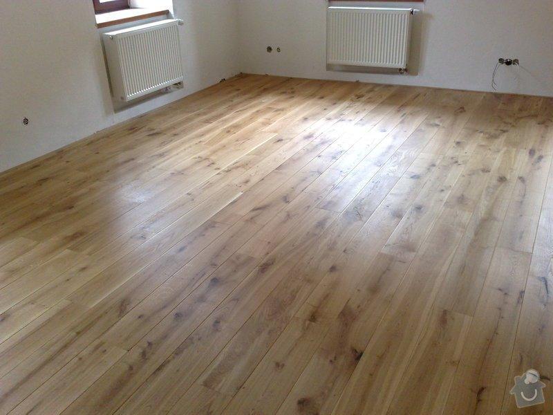 Dodávka a montáž dubové masivní podlahy do rekonstruovaného hostince U Fialů: Snimek_028