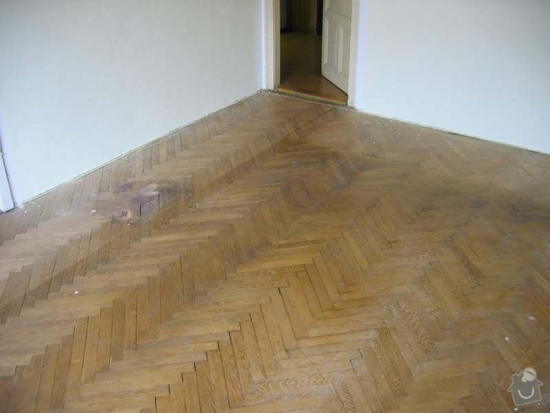 Renovace dubových parket: podlaha_pred4
