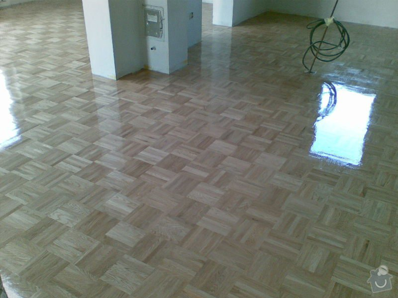 Dodávka nové dubové mozaiky a pokládky : 25102008_006_