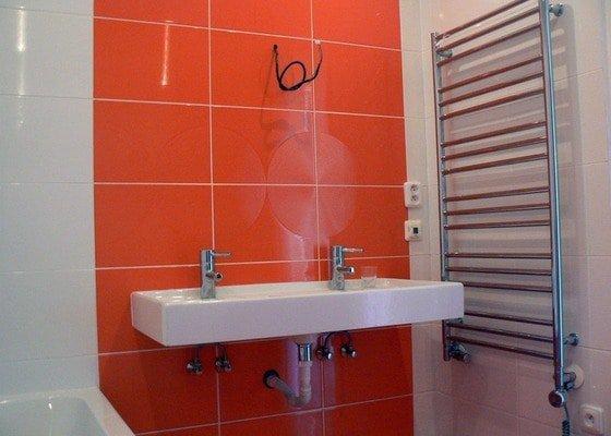 Rekonstrukce bytu, nová koupelna a WC