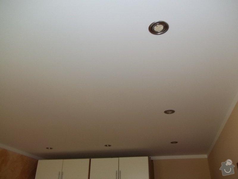 Snížení stropu a oprava stávajícího podhledu z SDK: 104_0018