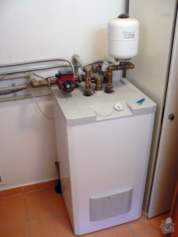 Výstavba RD - rozvody vody, vnitřní kanalizace, topení, dodávka a montáž zařizovacích předmětů, vzduchotechnika: R_P1030264
