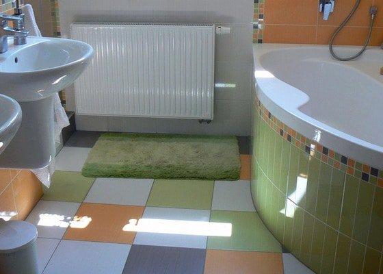 Výstavba RD - rozvody vody, vnitřní kanalizace, topení, dodávka a montáž zařizovacích předmětů, vzduchotechnika